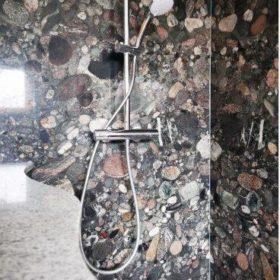 Naturstein Dusche