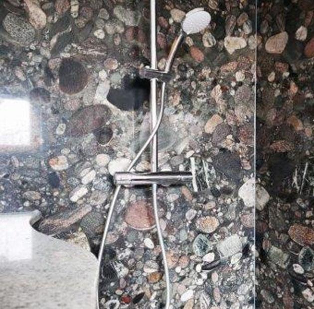 Naturstein-Dusche <span>mit Kontrasten</span>